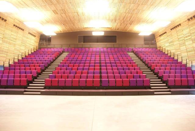 centre culturel et maison des arts de mazan france