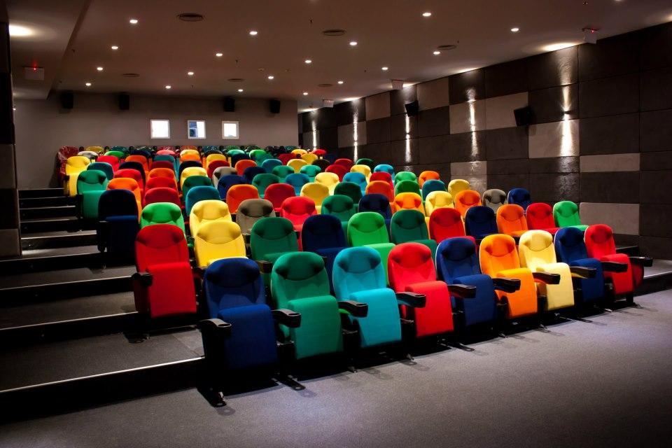 3D CINEMA CRAIOVA ROMANIA ascender