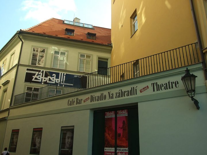 Refurbishing the Theatre of the Balaustrade in Prague