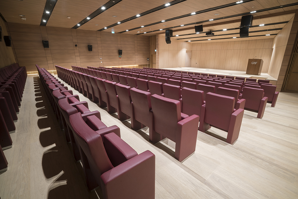 Sede-del-Banco-de-Desarrollo-de-América-Latina-(CAF),-Montevideo,-Uruguay-seatings